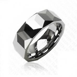 Volfrámový prsteň striebornej farby, geometricky brúsený povrch, 8 mm - Veľkosť: 57 mm