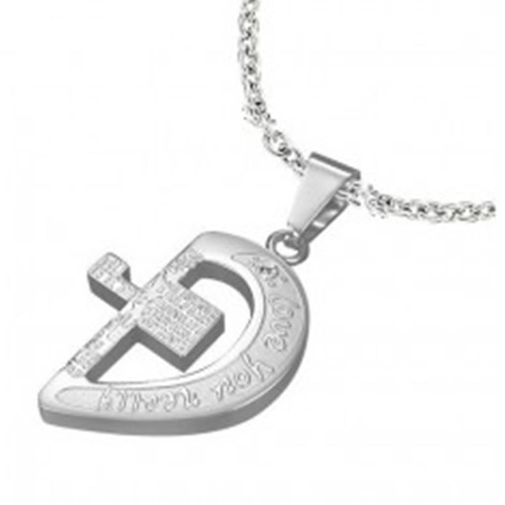 Šperky eshop Oceľový prívesok striebornej farby, polovica srdca s krížom a nápismi