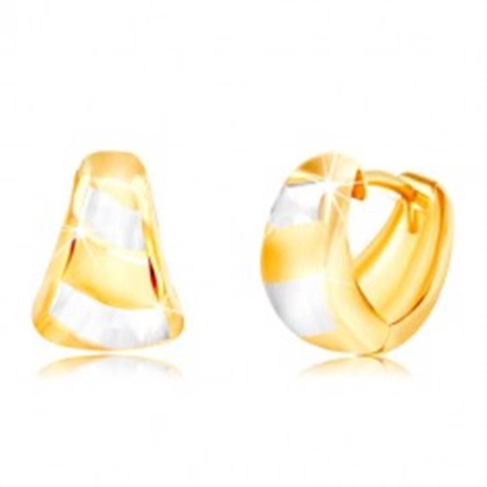 Šperky eshop Zlaté náušnice 585 - rozšírený matný oblúk, šikmé pásy žltého a bieleho zlata