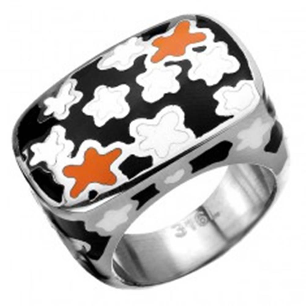 Šperky eshop Mohutný prsteň z chirurgickej ocele s kvietkovaným motívom - Veľkosť: 54 mm
