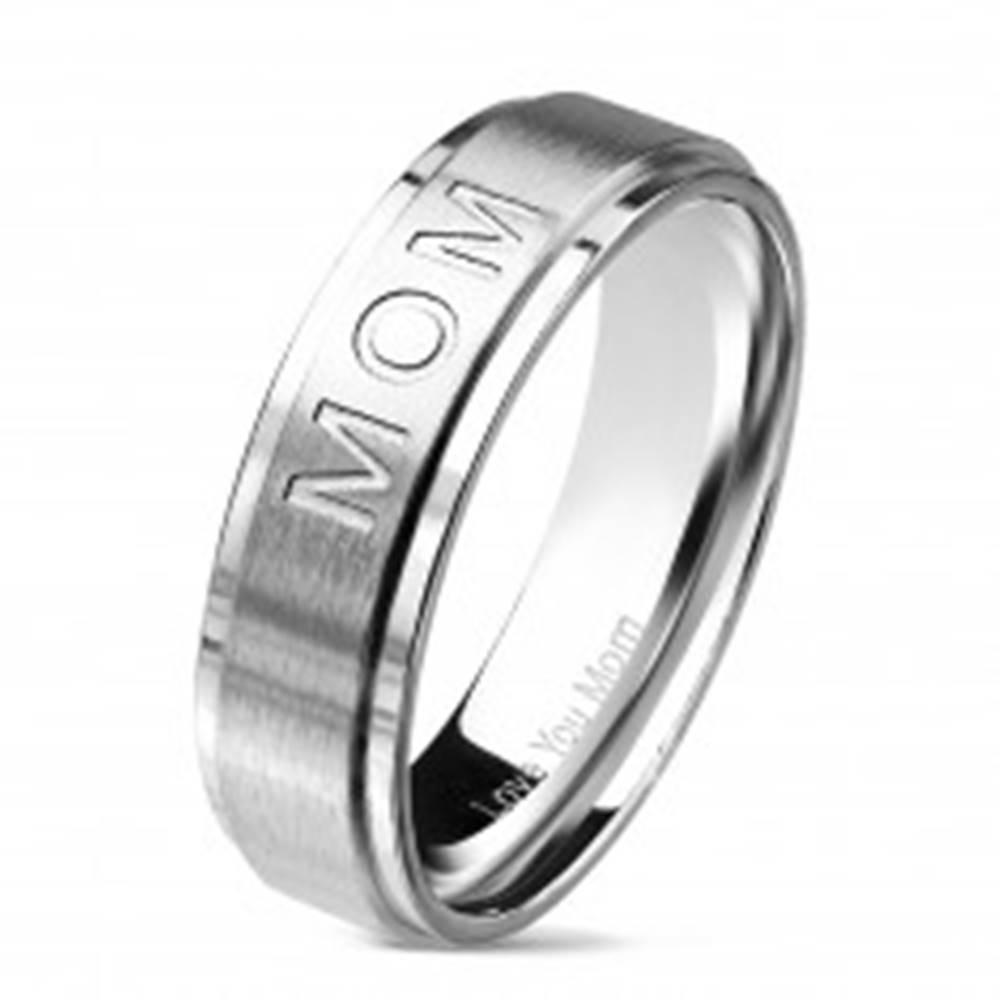 Šperky eshop Obrúčka z chirurgickej ocele s nápisom MOM, strieborná farba, 6 mm - Veľkosť: 49 mm