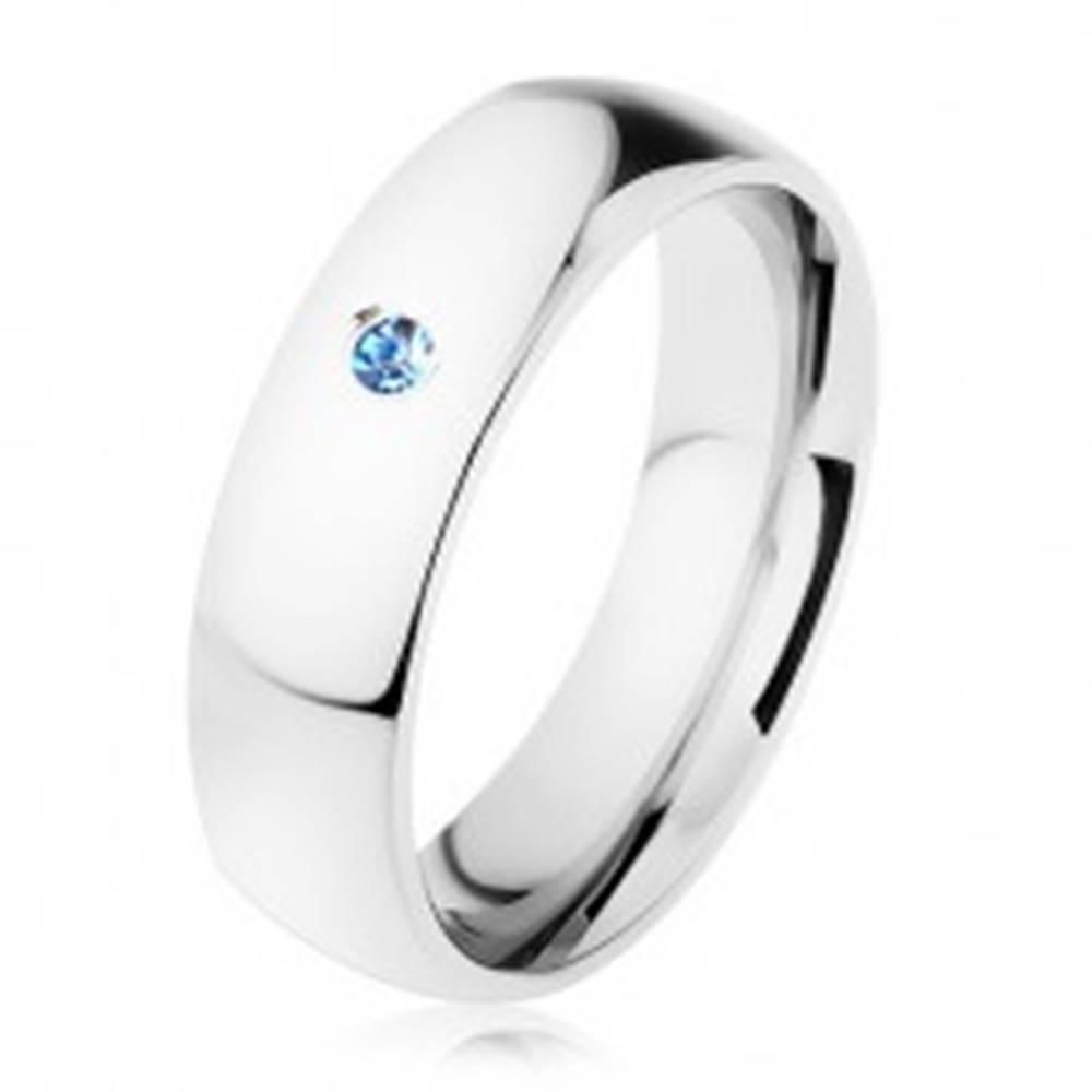 Šperky eshop Obrúčka z ocele, strieborný odtieň, zrkadlovolesklý povrch, svetlomodrý zirkón - Veľkosť: 49 mm