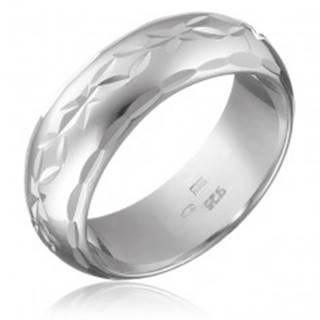 Strieborný prsteň 925 - gravírovaný pás kvetov s lístkami, oblý povrch - Veľkosť: 50 mm