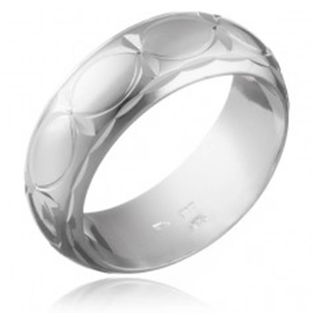 Šperky eshop Obrúčka zo striebra 925 - obrysy zrniečok a lúče - Veľkosť: 49 mm