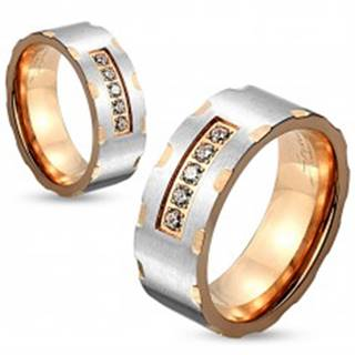 Dvojfarebný oceľový prsteň, strieborný a medený odtieň, zárezy, číre zirkóny, 6 mm - Veľkosť: 50 mm