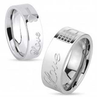 Lesklý oceľový prsteň striebornej farby, nápis Love a zamknutá kladka, 8 mm - Veľkosť: 59 mm