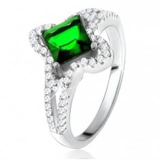 Prsteň zo striebra 925, šikmo uchytený zelený štvorcový zirkón - Veľkosť: 50 mm