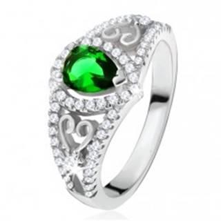 Prsteň zo striebra 925, zelený slzičkový kameň, číre zirkóny, obrysy sŕdc - Veľkosť: 50 mm