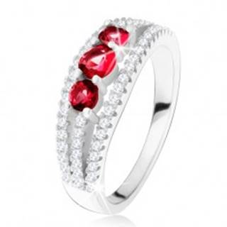Strieborný 925 prsteň, tri rubínové kamienky, zirkónové prúžky - Veľkosť: 49 mm