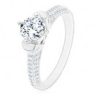 Strieborný prsteň 925, okrúhly číry zirkón v dekoratívnom kotlíku, ligotavé ramená - Veľkosť: 48 mm