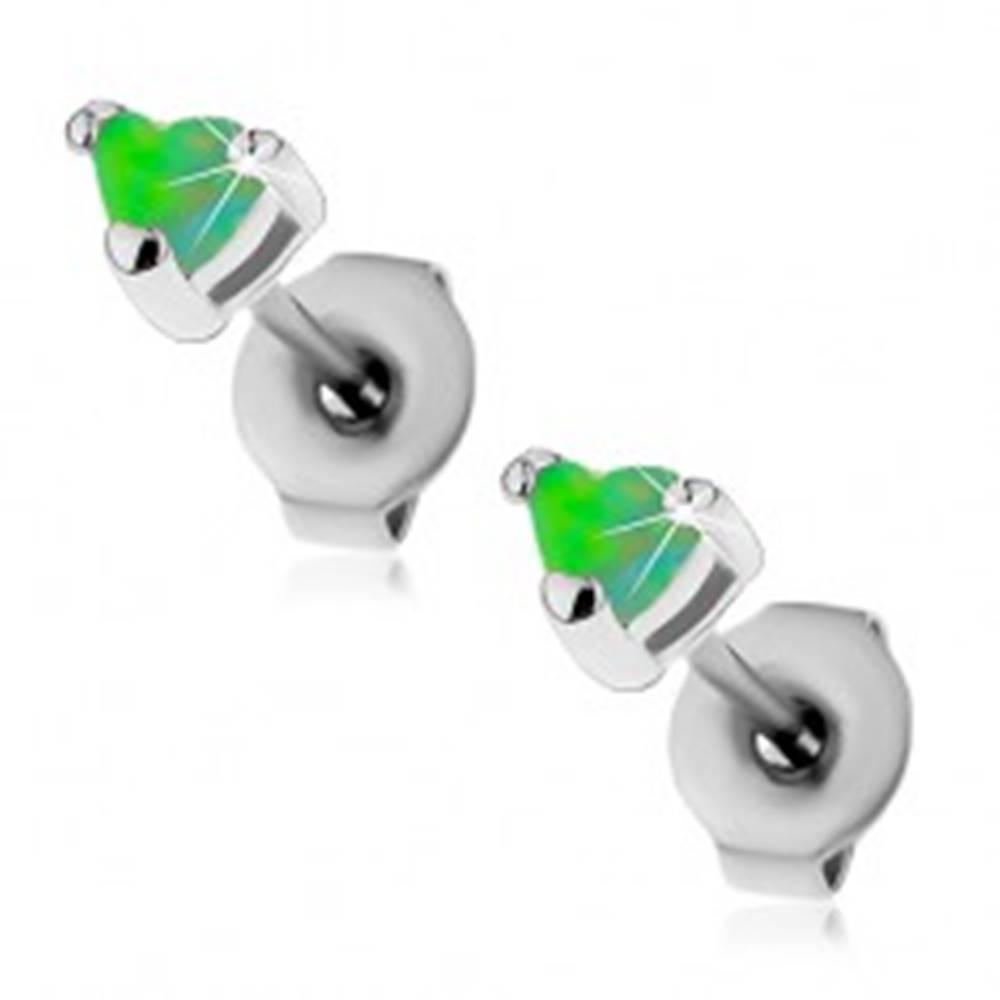 Šperky eshop Oceľové náušnice striebornej farby, syntetické opálové srdiečka zelenej farby, 3 mm