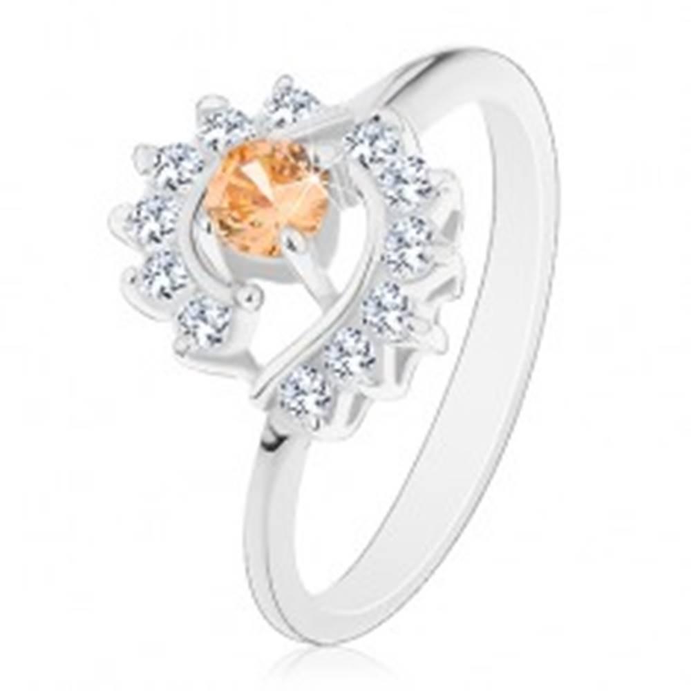 Šperky eshop Prsteň v striebornom odtieni, svetlooranžový zirkón, číre zirkónové oblúky - Veľkosť: 54 mm, Farba: Svetlooranžová