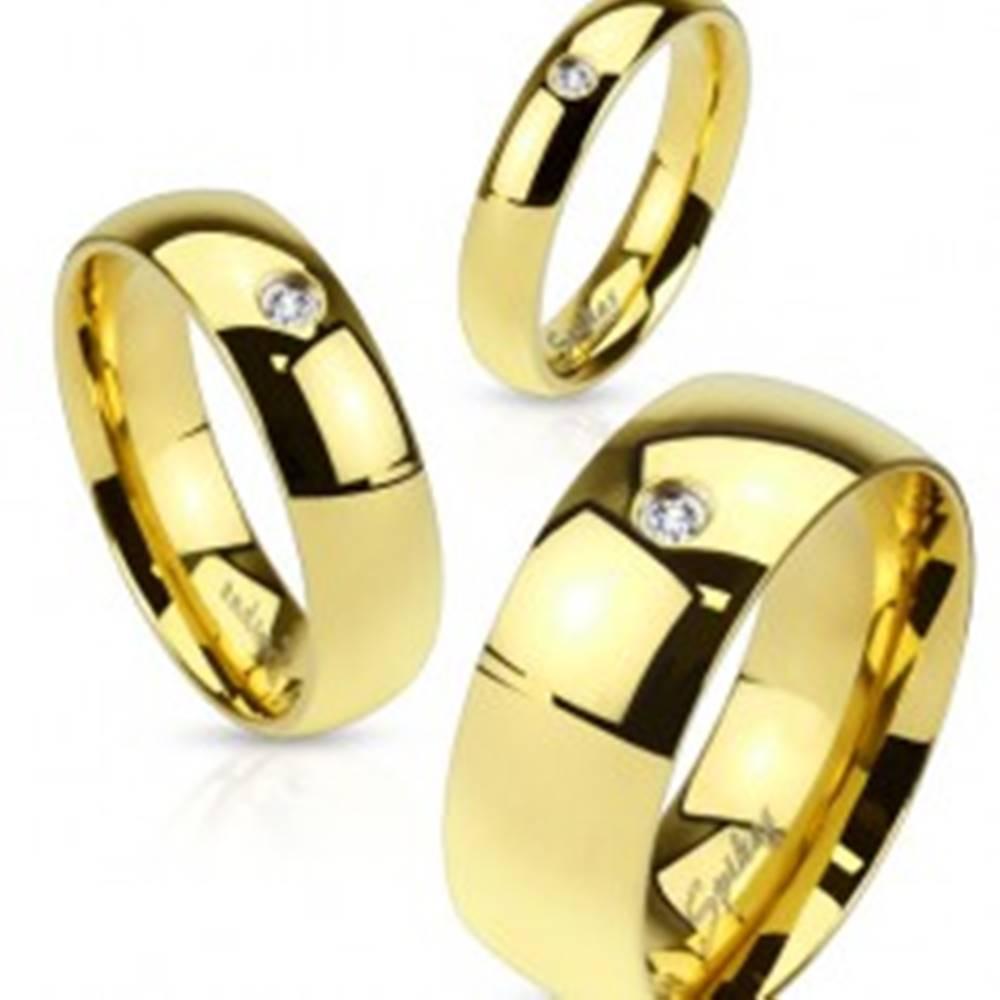 Šperky eshop Prsteň z ocele 316L zlatej farby, číry zirkónik, lesklý hladký povrch, 4 mm - Veľkosť: 48 mm