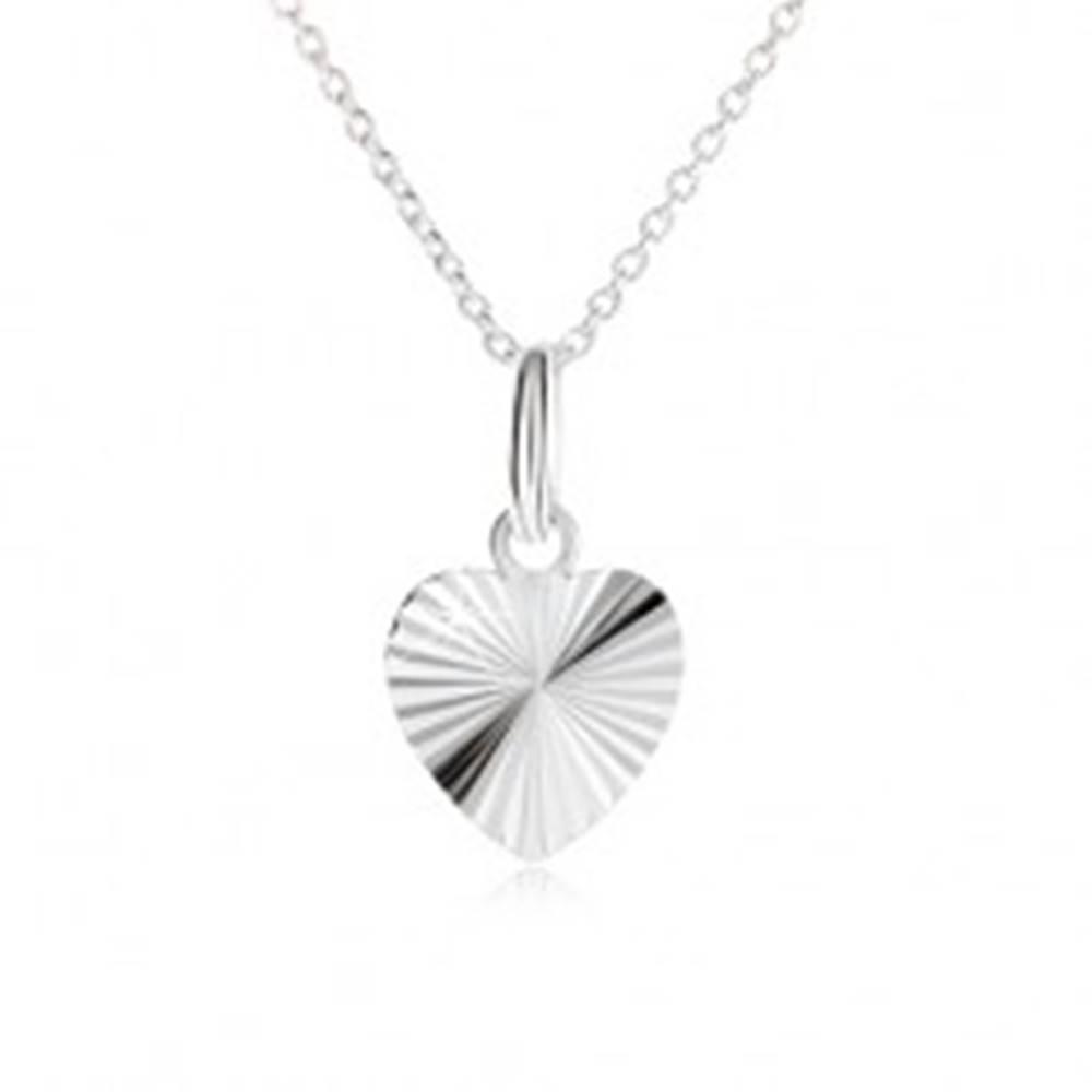 Šperky eshop Súmerné srdce s lúčovitými zárezmi na retiazke - náhrdelník zo striebra 925