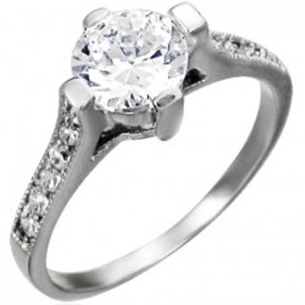 Šperky eshop Zásnubný prsteň z chirurgickej ocele, veľký okrúhly zirkón, zirkónové línie na ramenách - Veľkosť: 49 mm