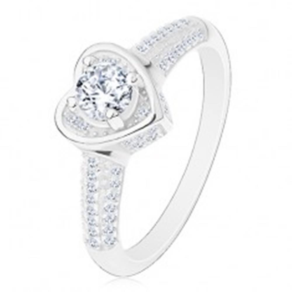 Šperky eshop Zásnubný prsteň zo striebra 925, srdiečko s čírym zirkónom, trblietavé ramená - Veľkosť: 49 mm