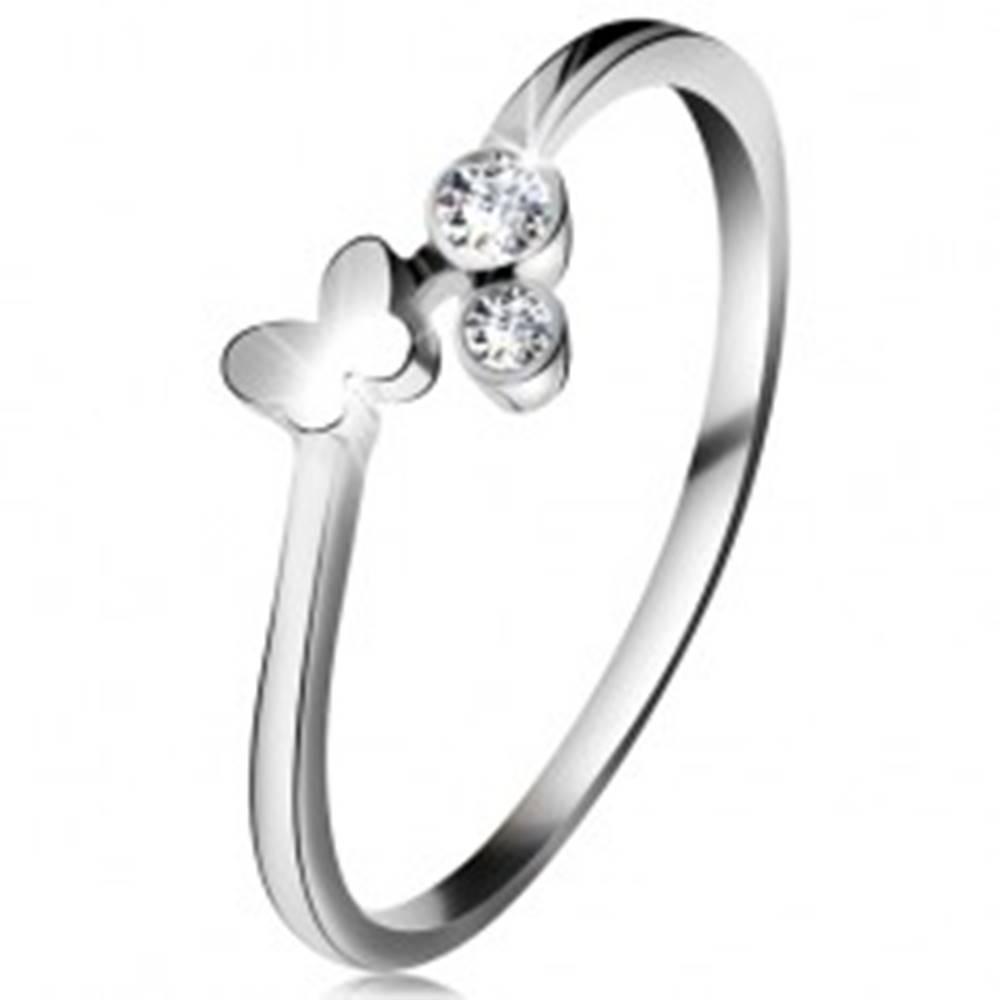 Šperky eshop Diamantový prsteň z bieleho 14K zlata - dva číre brilianty, lesklý motýlik - Veľkosť: 49 mm
