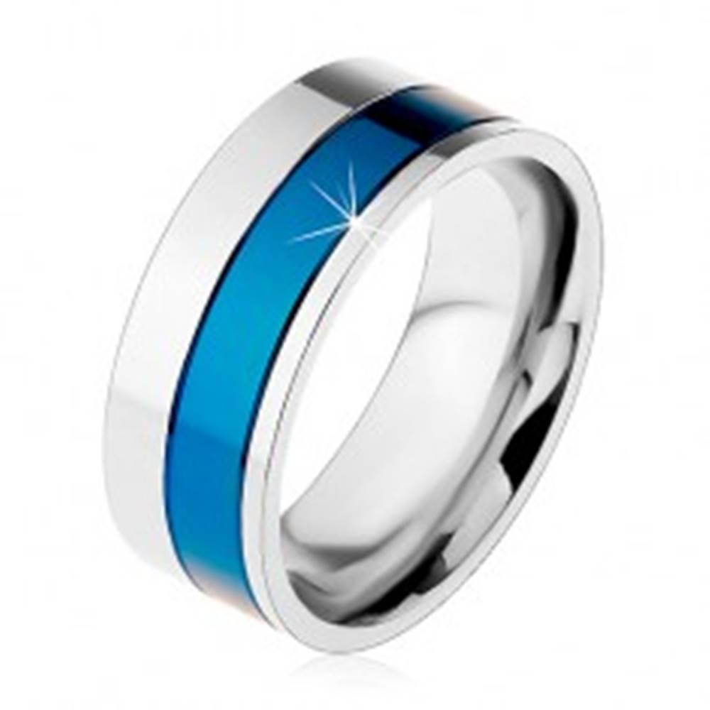 Šperky eshop Prsteň z chirurgickej ocele, pásy modrej a striebornej farby, 8 mm - Veľkosť: 57 mm