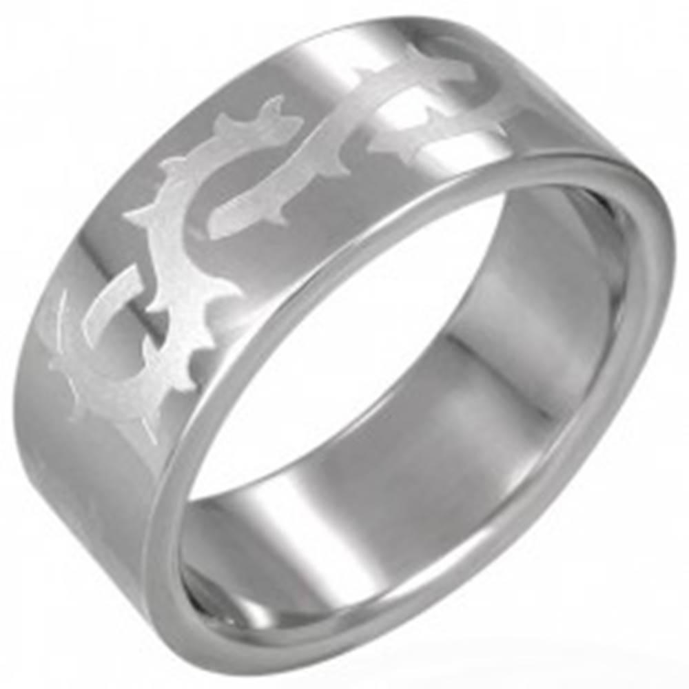 Šperky eshop Prsteň z chirurgickej ocele s matným ostnatým drôtom - Veľkosť: 54 mm