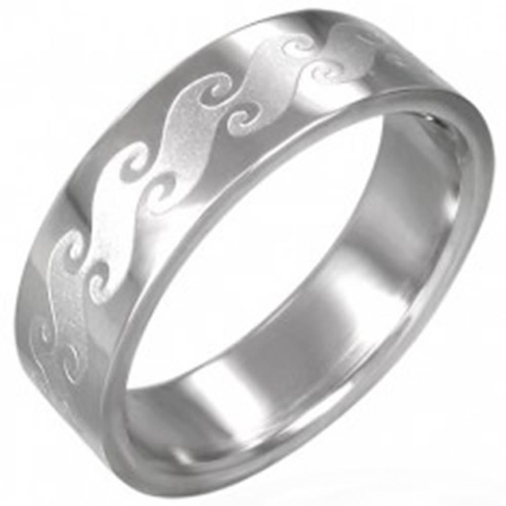 Šperky eshop Prsteň z chirurgickej ocele s matnými vlnami - Veľkosť: 54 mm