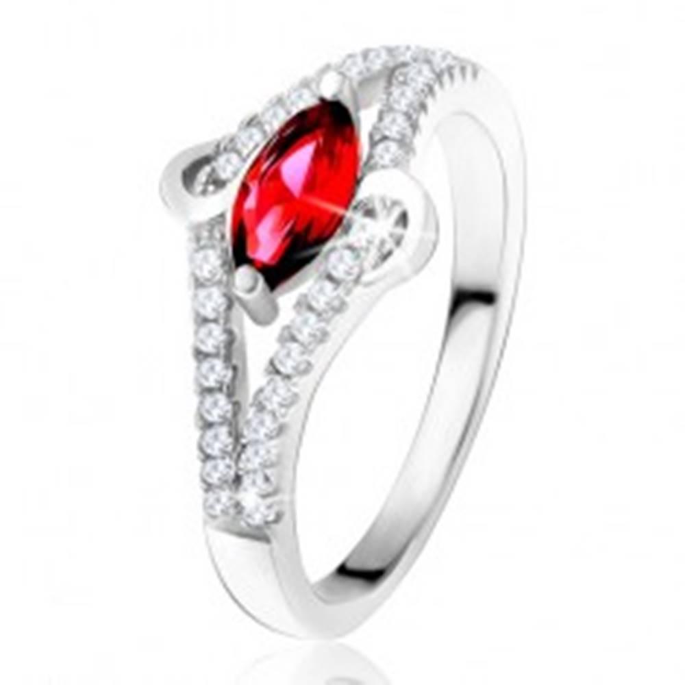 """Šperky eshop Prsteň zo striebra 925, zrniečkový zirkón rubínovej farby, línia """"S"""", číre kamienky - Veľkosť: 49 mm"""