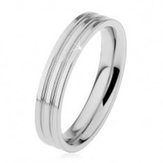 Lesklý prsteň z ocele 316L striebornej farby, dva pozdĺžne zárezy, 4 mm - Veľkosť: 49 mm