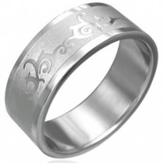 Prsteň z chirurgickej ocele s ornamentom - Veľkosť: 54 mm