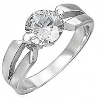 Zásnubný prsteň z chirurgickej ocele, veľký číry zirkón, výrezy na ramenách - Veľkosť: 48 mm