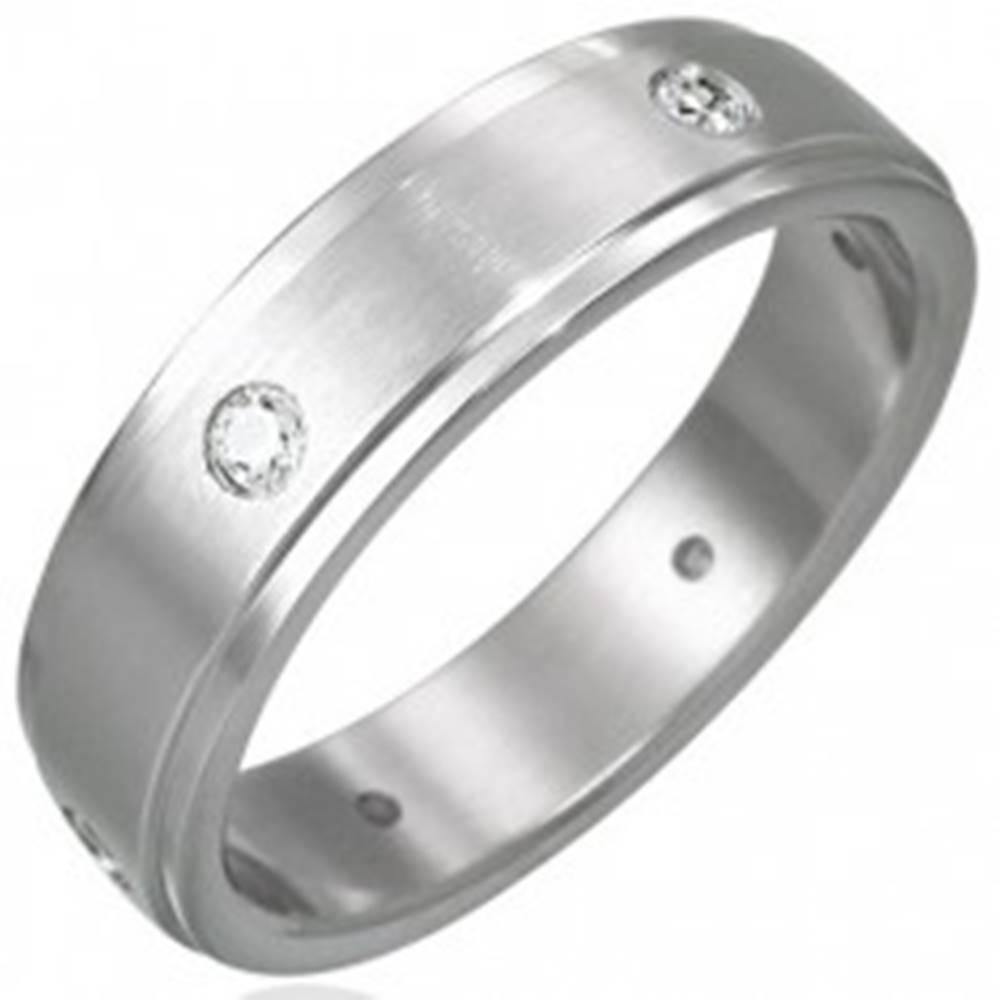 Šperky eshop Oceľový prsteň matný - 6 zirkónov po obvode - Veľkosť: 48 mm