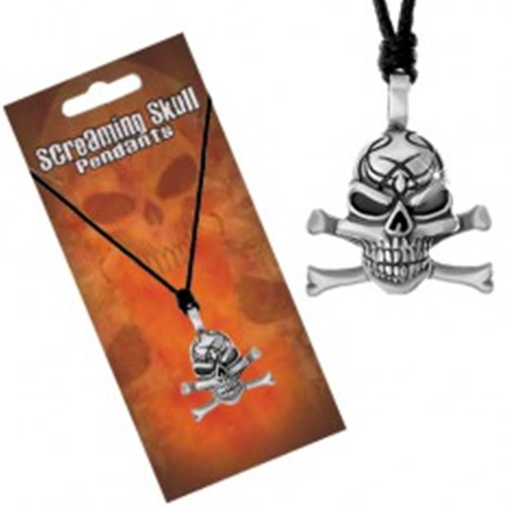 Šperky eshop Šnúrkový náhrdelník, patinovaný prívesok lebky s prekríženými kosťami