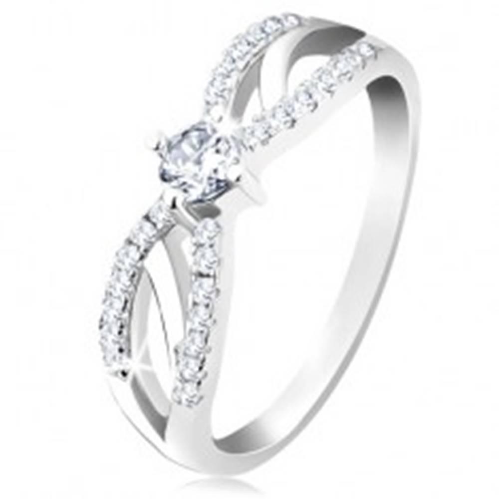 Šperky eshop Zásnubný prsteň zo striebra 925, rozdelené ligotavé ramená, číry zirkón - Veľkosť: 49 mm