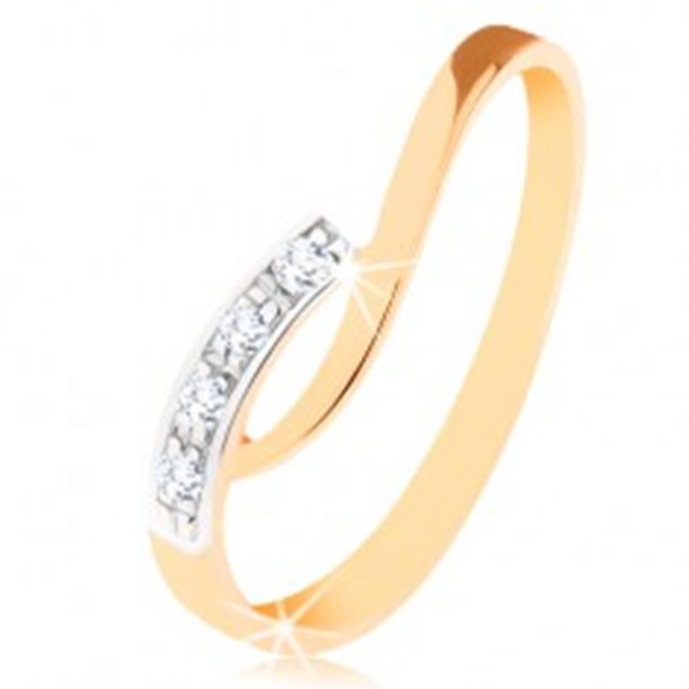 Šperky eshop Prsteň v 9K zlate - nepravidelne zahnuté konce ramien, číre zirkóny - Veľkosť: 49 mm