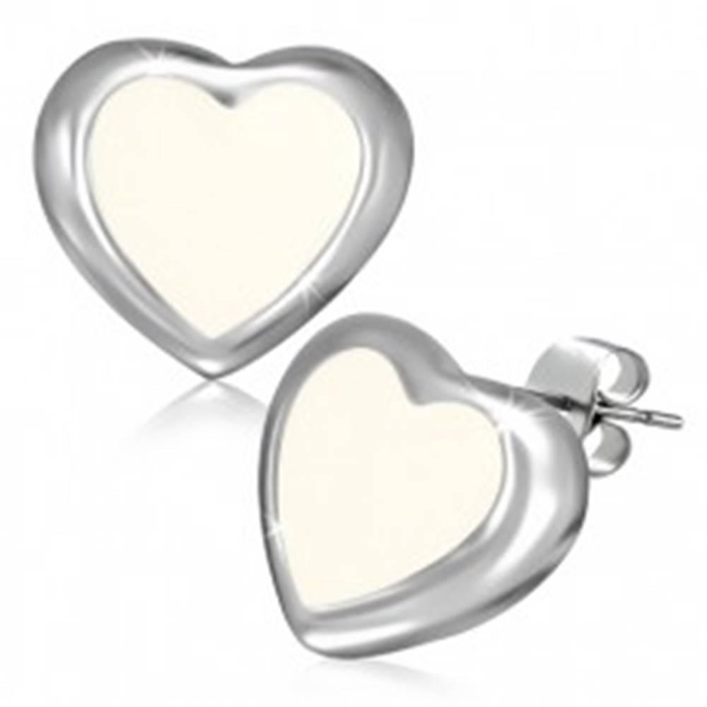 Šperky eshop Puzetové náušnice z ocele - maslovo biele srdce s okrajom striebornej farby