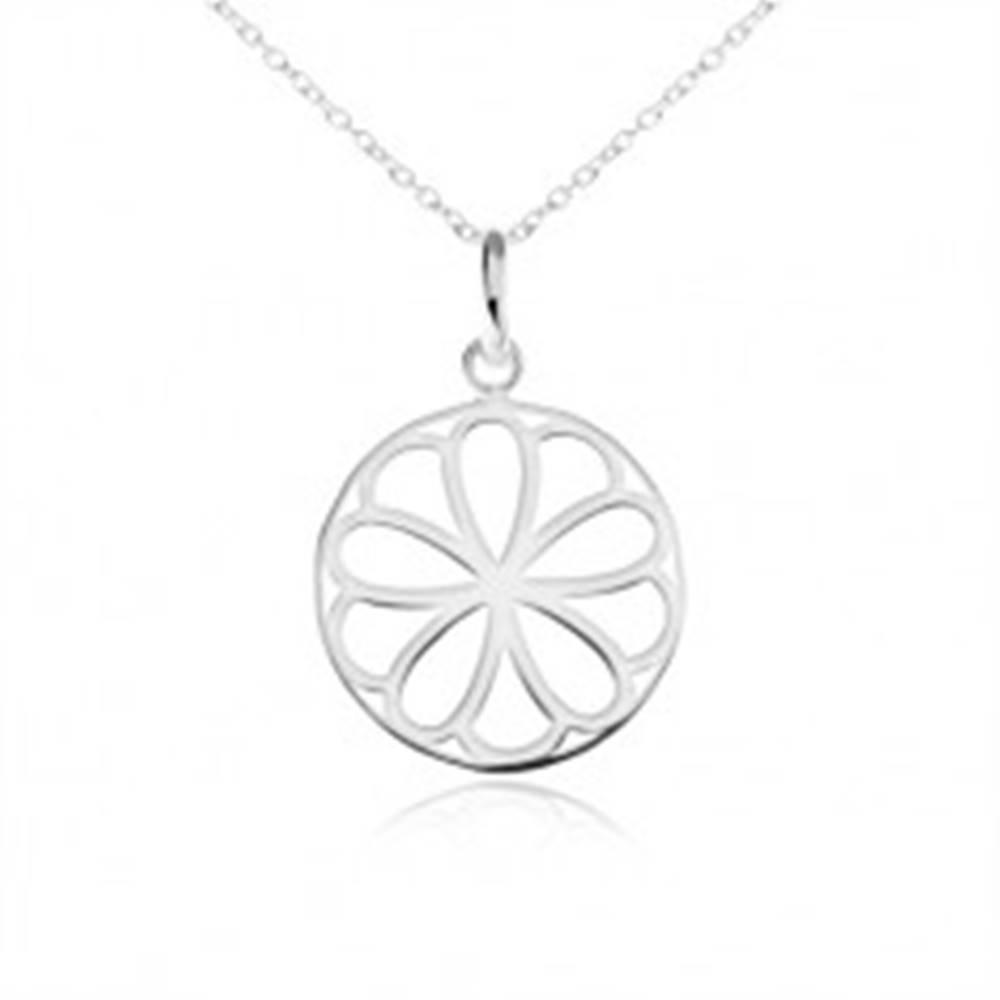 Šperky eshop Strieborný náhrdelník 925, okrúhly prívesok - ozdobne vyrezávaný kvet
