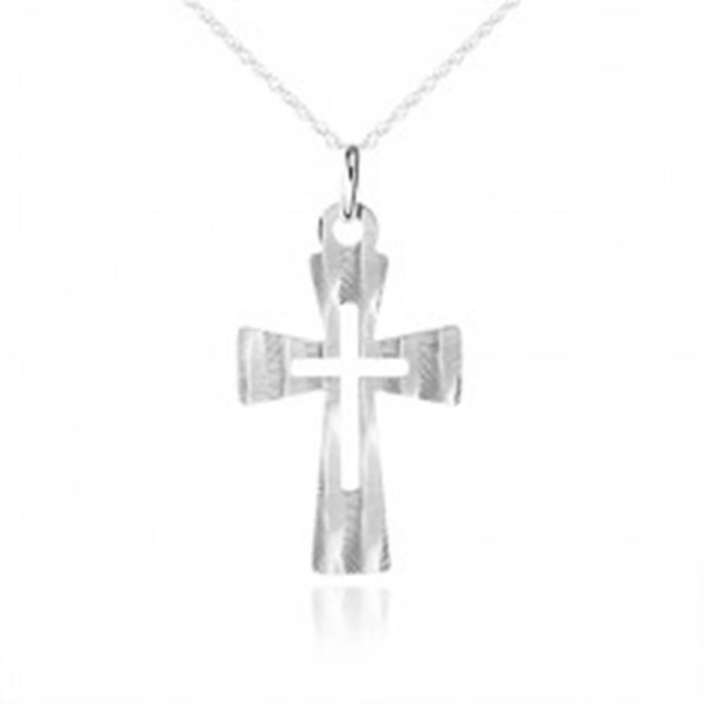 Šperky eshop Strieborný náhrdelník 925, plochý kríž s ozdobnými šikmými zárezmi