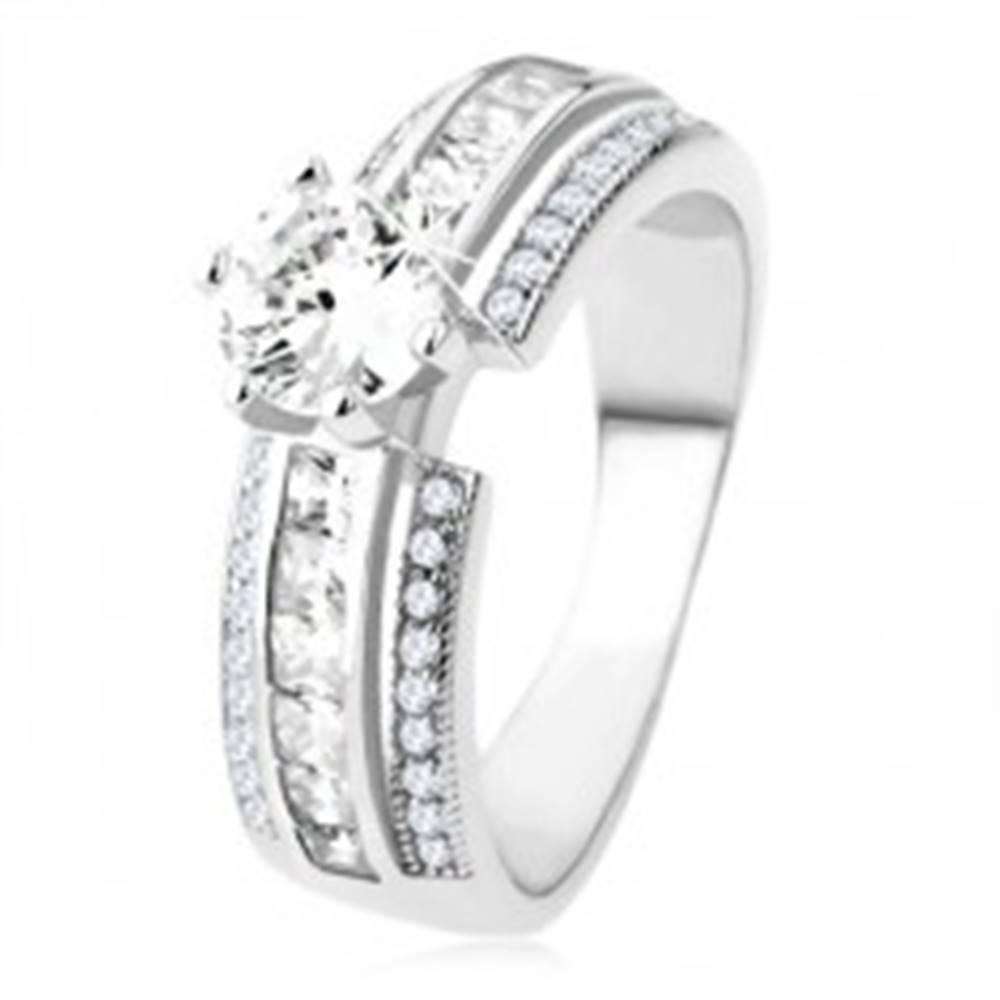 Šperky eshop Zásnubný prsteň zo striebra 925, vyvýšená zdobená línia, číry zirkón - Veľkosť: 49 mm