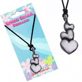 Čierny šnúrkový náhrdelník – prívesok, tri srdcia
