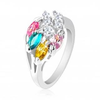 Lesklý prsteň striebornej farby, farebné zirkónové zrnká, číre zirkóniky - Veľkosť: 49 mm