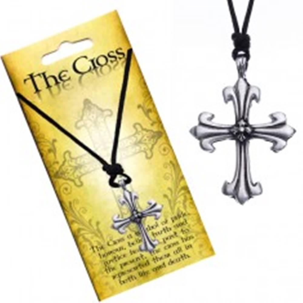 Šperky eshop Náhrdelník s príveskom v tvare kríža, ľaliové ramená