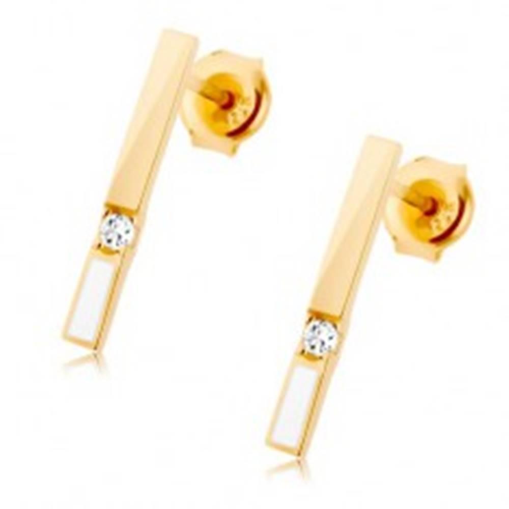 Šperky eshop Náušnice v žltom 9K zlate, zvislý pásik zdobený bielou glazúrou a zirkónom