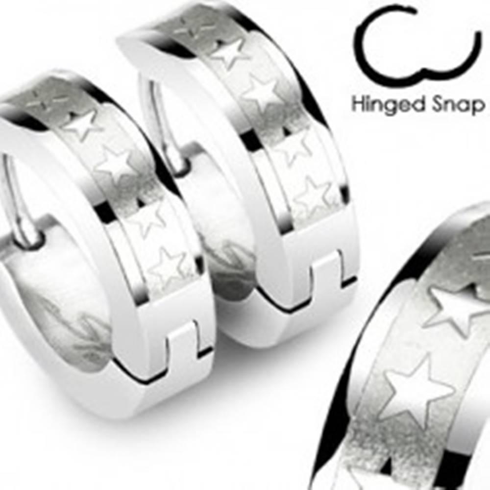Šperky eshop Oceľové náušnice striebornej farby - lesklé hviezdičky v matnom obdĺžniku