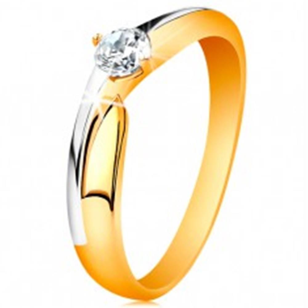 Šperky eshop Prsteň zo 14K zlata - dvojfarebné ramená, ligotavý zirkón čírej farby - Veľkosť: 49 mm