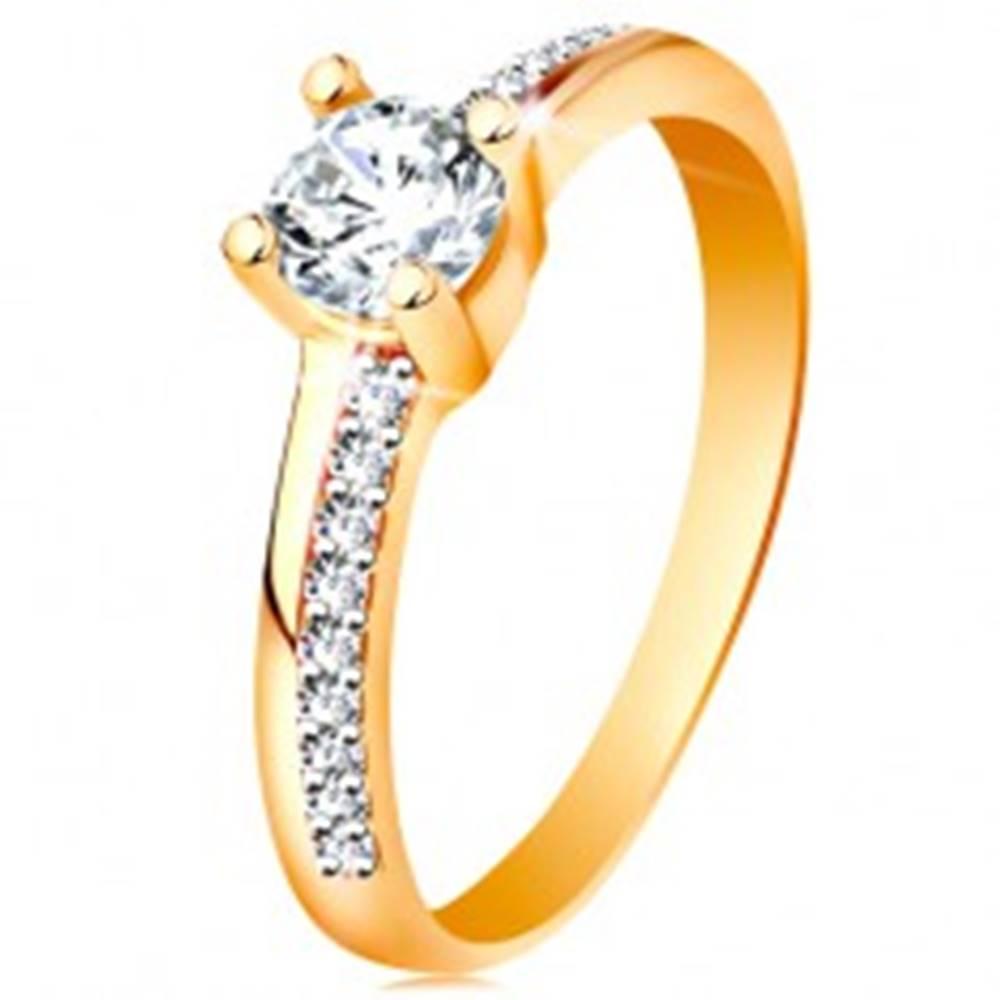 Šperky eshop Zlatý prsteň 585 s trblietavými líniami a čírym zirkónom v kotlíku - Veľkosť: 49 mm