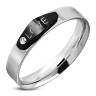 Oceľový prsteň striebornej farby, čierny ovál s nápisom LOVE a zirkónom - Veľkosť: 49 mm