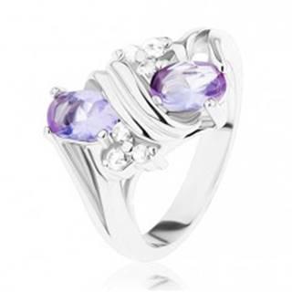 Prsteň v striebornom odtieni, svetlofialové a číre zirkóny, dvojitá špirála - Veľkosť: 49 mm