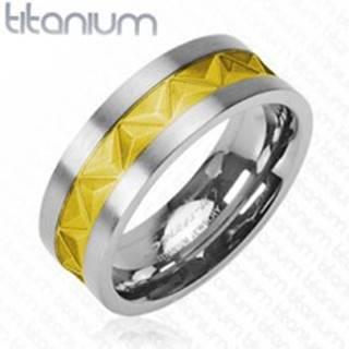 Titánová obrúčka - vzor trojuholníkov zlatej farby  - Veľkosť: 49 mm