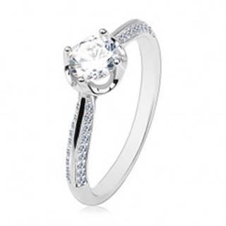 Zásnubný prsteň zo striebra 925, vypuklé zdobené ramená, číry okrúhly zirkón - Veľkosť: 60 mm
