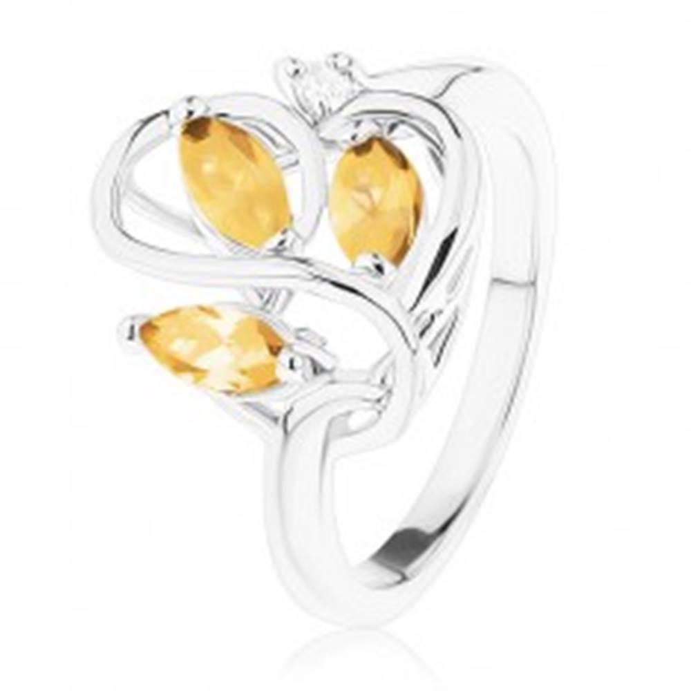 Šperky eshop Prsteň s lesklými ramenami, zvlnené prepletené línie, svetlohnedé zirkóny - Veľkosť: 51 mm