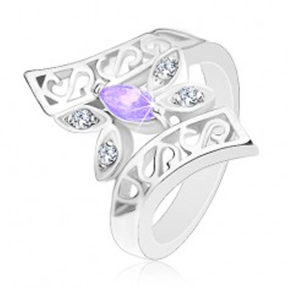 Šperky eshop Prsteň striebornej farby, zahnuté zdobené ramená, farebný motýľ - Veľkosť: 48 mm, Farba: Ružová