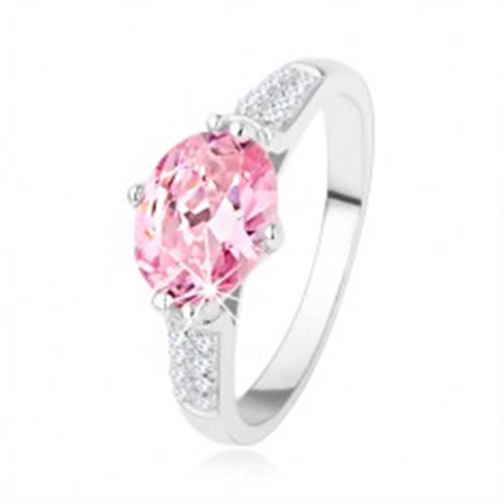 Šperky eshop Zásnubný strieborný prsteň 925, oválny ružový zirkón, číre drobné zirkóniky - Veľkosť: 48 mm